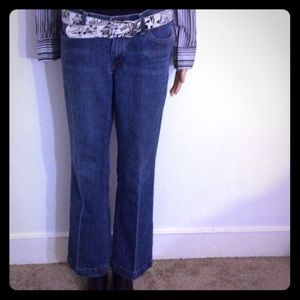 Gap Flare Leg Cropped (Ankle Court) Jeans  Size 4